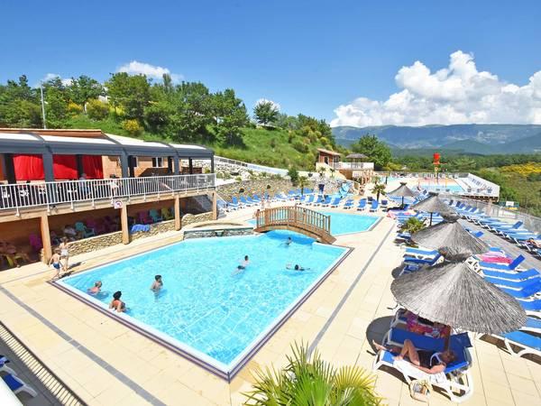 Camping les bois du ch telas camping rh ne alpes 5 stars for Camping montelimar piscine