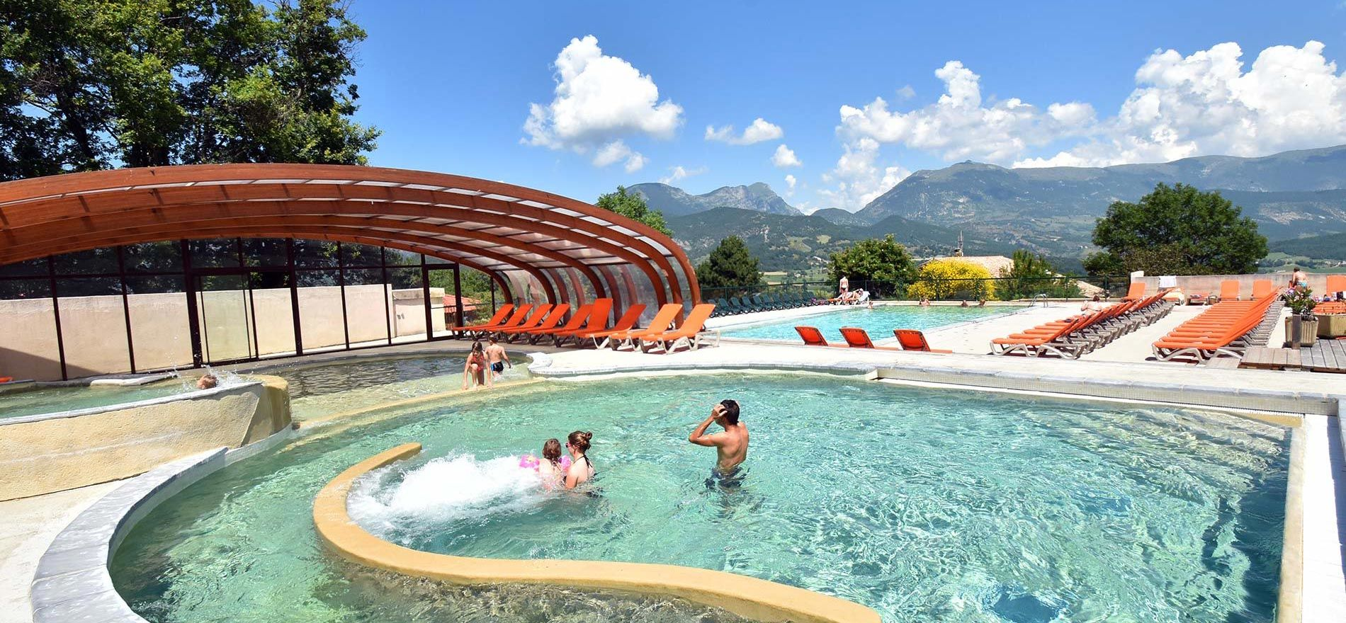 Camping le couspeau camping rh ne alpes 4 toiles for Camping cabourg avec piscine