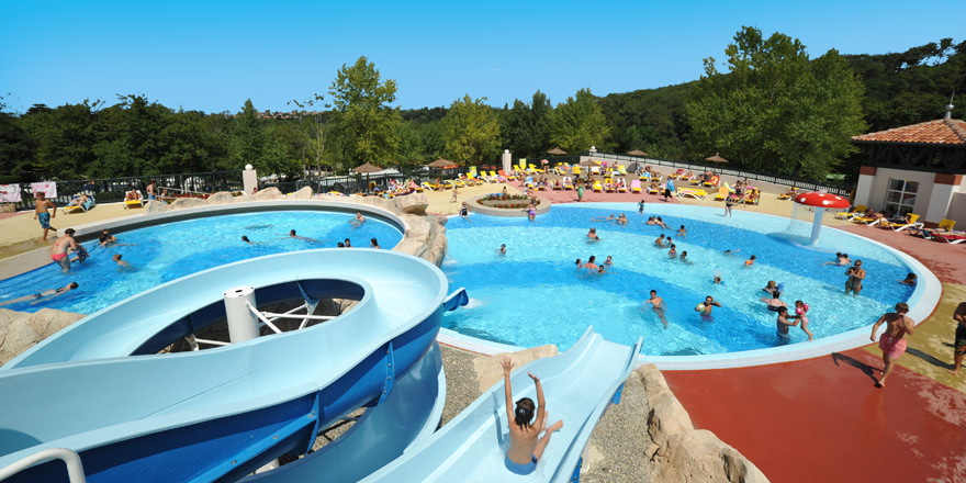 Camping pays basque avec piscine parc aquatique du for Camping sud de la france avec piscine